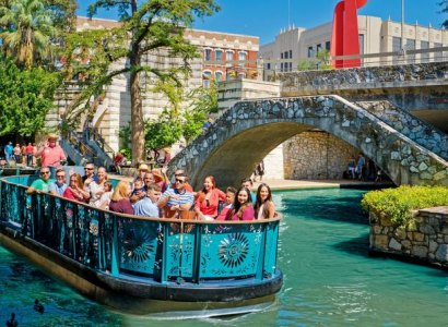 River Walk Cruise and Hop-On Hop-Off Tour, San Antonio