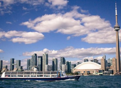 Toronto Harbour Tour with Live Narration