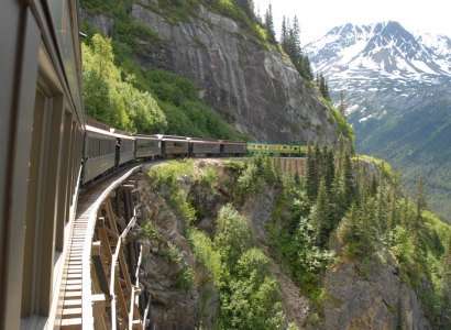 Discover Whitehorse & White Pass Yukon Railroad
