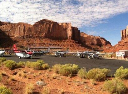 Monument Valley, Canyonlands National Park and Natural Bridges Air Tour
